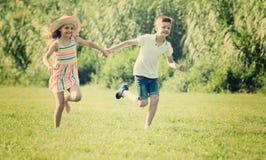 дети паркуют бежать 2 Стоковые Фото
