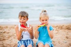 дети 2 пляжа Стоковые Изображения RF