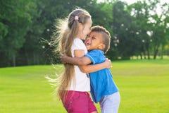 дети счастливые 2 Стоковое Изображение RF