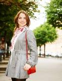 лето портрета девушки дня города Стоковая Фотография