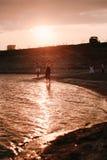 3 дет бежать вдоль пляжа Стоковые Изображения RF