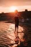 3 дет бежать вдоль пляжа Стоковое Изображение RF