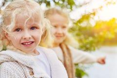 2 дет в осени Стоковая Фотография RF