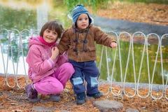 2 дет в парке Стоковое фото RF