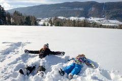 2 дет в снеге Стоковая Фотография