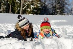 2 дет в снеге Стоковые Фотографии RF