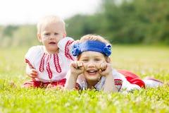 2 дет в традиционных одеждах Стоковое Изображение RF