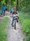 Дети на велосипеде Стоковое фото RF