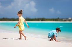 2 дет на пляже Стоковые Изображения RF