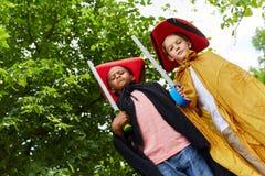 2 дет одетого как пираты Стоковые Изображения RF