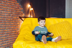 3 лет портрета мальчика времени жизнерадостных маленьких Стоковое Изображение