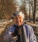 90 лет строгой старухи стоковая фотография rf