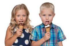 2 дет с мороженым Стоковая Фотография