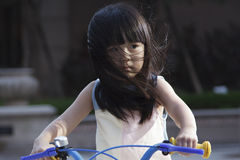 Ехать велосипед для того чтобы путешествовать Стоковая Фотография
