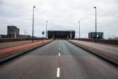 Ехать над мостом щитка Амстердам Стоковое Изображение