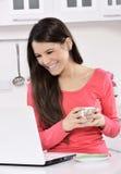 деятельность женщины дела домашняя стоковые изображения
