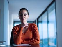 деятельность женщины компьтер-книжки Стоковое фото RF