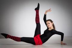 делать гимнастику девушки Стоковое Изображение RF