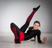делать гимнастику девушки Стоковая Фотография
