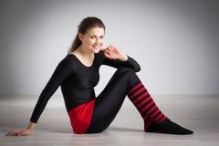 делать гимнастику девушки Стоковые Изображения RF