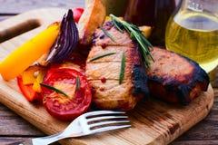 Еда. Барбекю мяса с овощами Стоковая Фотография RF