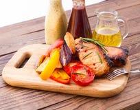 Еда. Барбекю мяса с овощами Стоковое фото RF