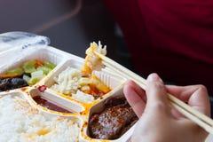 Еда в белой коробке Стоковые Фото