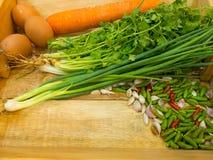 Еда в корзине Стоковая Фотография