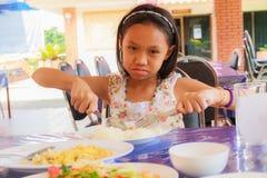 еда девушки еды Стоковая Фотография RF