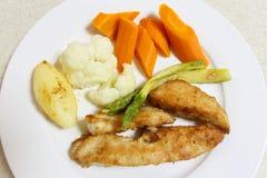 Еда жареной курицы лотка сверху Стоковые Фотографии RF