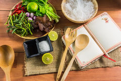 еда здоровая Салат с лапшами целлофана тип кухни Таиланда Стоковая Фотография