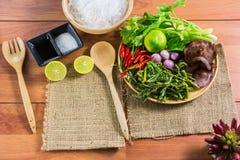 еда здоровая Салат с лапшами целлофана тип кухни Таиланда Стоковые Фотографии RF