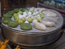 Еда липкого риса Стоковая Фотография