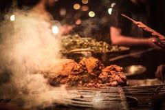 Еда и bokeh улицы Стоковая Фотография RF