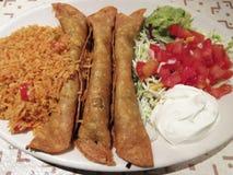 Еда мексиканца Flautas говядины Стоковое Изображение RF