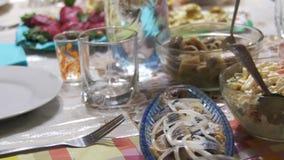 Еда на таблице видеоматериал
