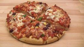 Еда пиццы сток-видео