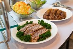 Еда ресторанного обслуживании Стоковые Фотографии RF
