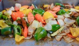 Еда рынка - близкая вверх зажаренных в духовке овощей Стоковое фото RF