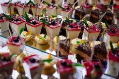 Еда таблицы шведского стола Стоковое фото RF
