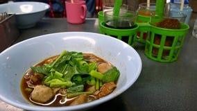 Еда улицы в Таиланде - супе лапши Стоковая Фотография