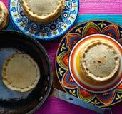 Еда Sopes handmade мексиканская традиционная стоковое изображение