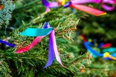 Елевое дерево украшая ленты Стоковое Изображение