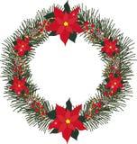 Елевый венок с цветками poinsettia, конусами сосны, ягодами, шариками и ярким блеском Стоковые Изображения