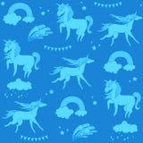 Единороги аквамарина с облаками, радугой и звездами на голубой предпосылке Иллюстрация вектора