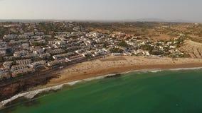 дел Кино с туристами на небе Luz пляжа акции видеоматериалы