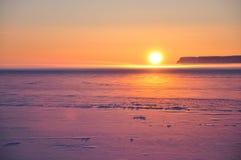 ледовитый заход солнца Стоковая Фотография