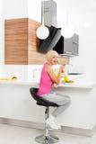 Еды диеты девушки свежая несчастной здоровая vegetable Стоковая Фотография