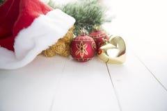 Ель рождества на предпосылке деревянной доски с космосом экземпляра Стоковая Фотография