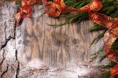 Ель рождества с украшением и снегом Стоковая Фотография